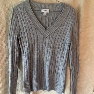 Women's Gray Cable Knit Sweater Size Medium